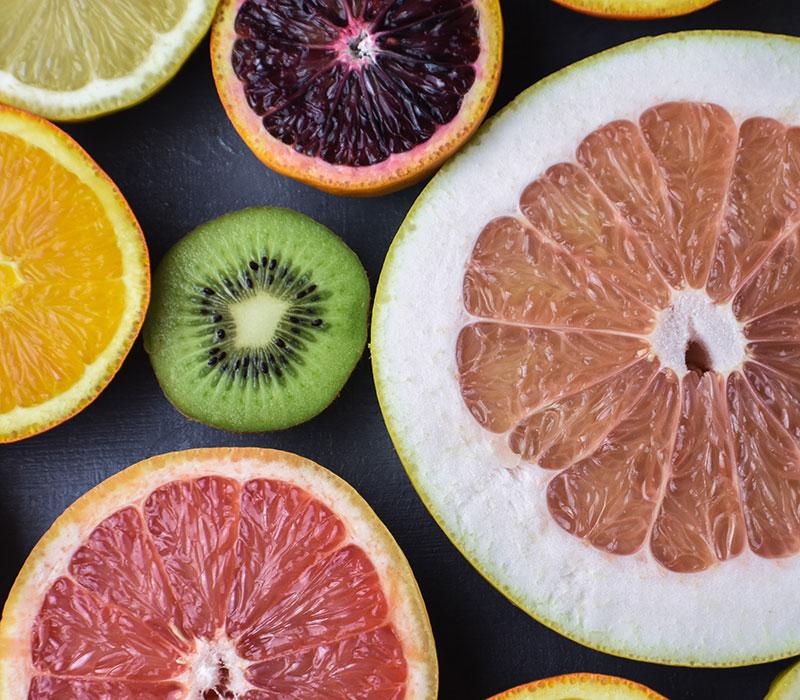Sliced citrus fruit and kiwi fruit